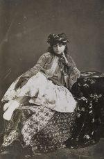 «Farbe bekennen» – Textile Eleganz in Teheran um 1900 im Museum Rietberg Zürich