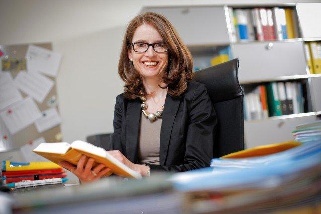 Ständeratssitz von Karin Keller-Sutter für eine Frau – Themencafé der Frauenzentrale mit Susanne Vincenz-Stauffacher